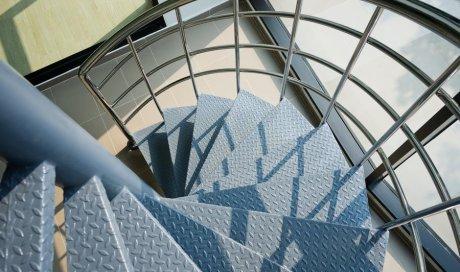 Création et installation d'escalier en fer sur mesure